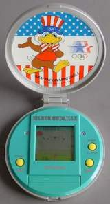 Silbermedaille [Model 7841] the  Handheld Electronic Game