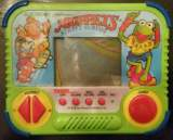 Jim Henson's Muppets - Street Surfin' the  Handheld Electronic Game