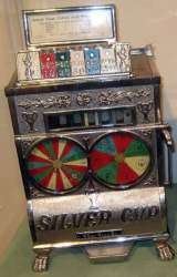 Silver Cup the  Slot Machine