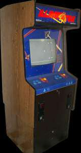 Eliminator [Upright 2-Player model] the Arcade Video Game