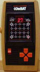 Combat [Model 16122] the Electronic game (Handheld)